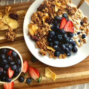 the maple granola recipe described in this post